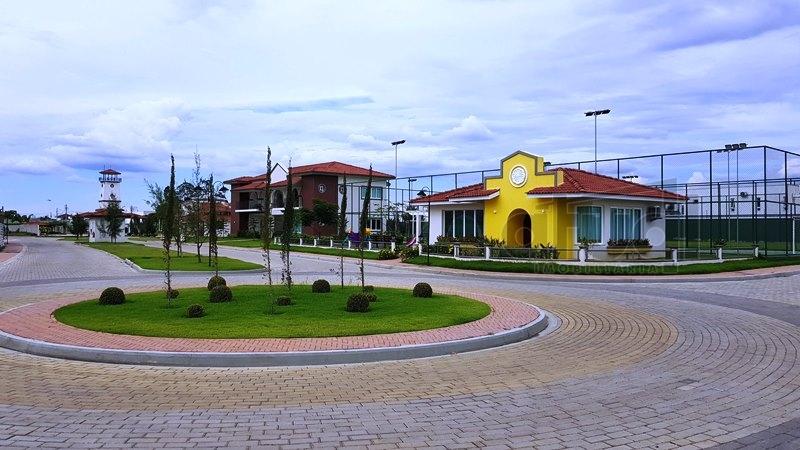 LOTE EM CONDOMÍNIO - 10590
